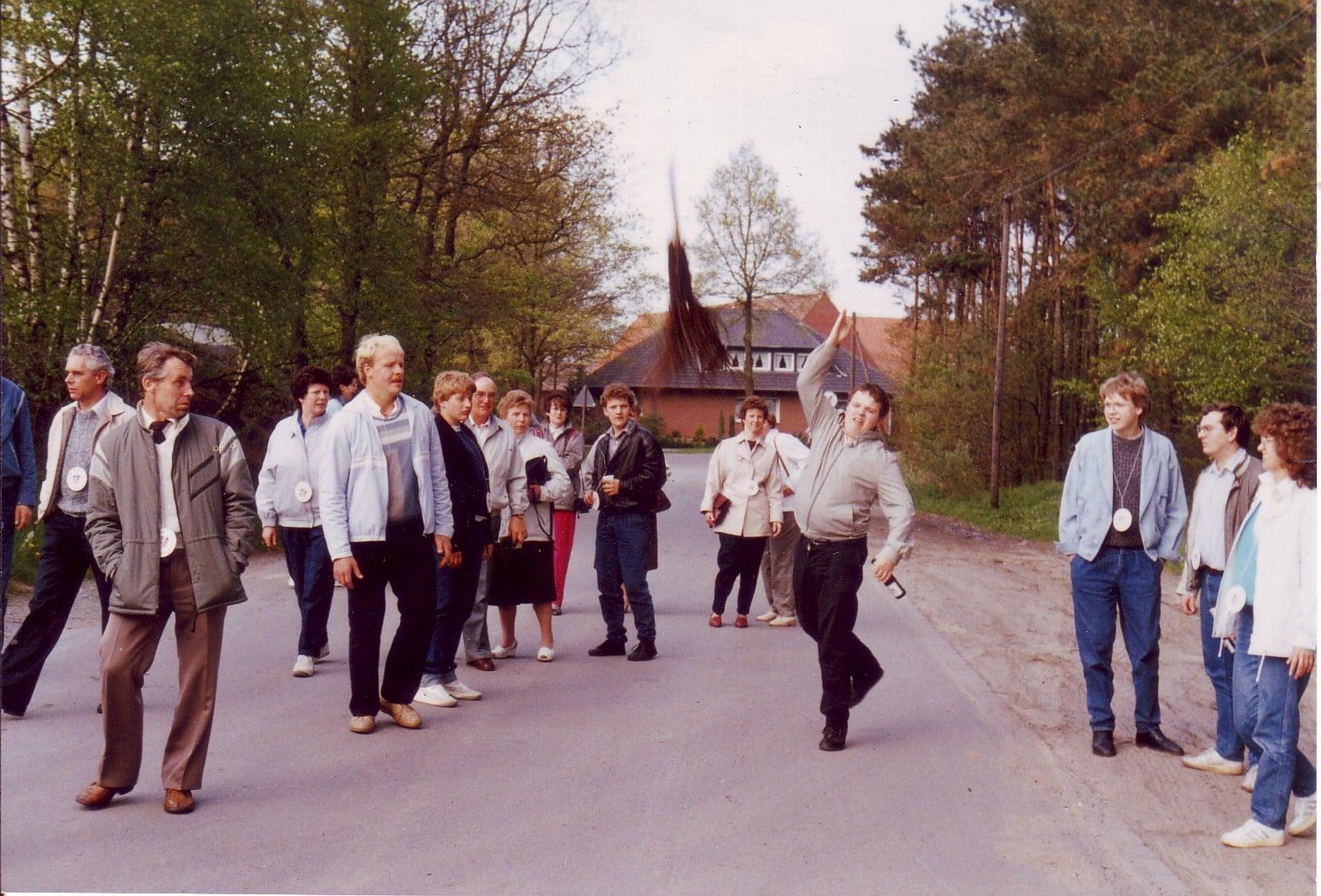 1985 - Besenweitwurf