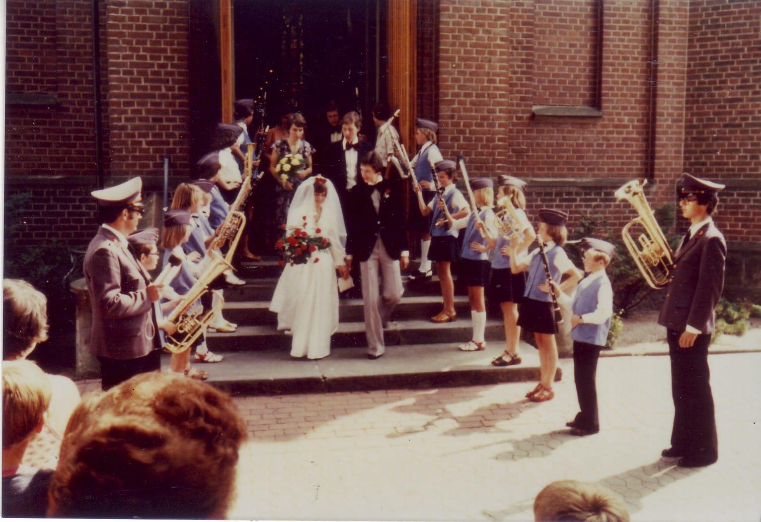 1977 - Spalier Hochzeit Höing